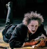 """Sauliaus Varno režisuotas spektaklis """"Dabar many visai kita ugnis"""" (Samuelio Becketto  pjesės """"Paskutinė Krepo juosta"""" motyvais)"""